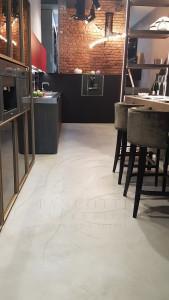 pavimento cemento spatolato microcemento